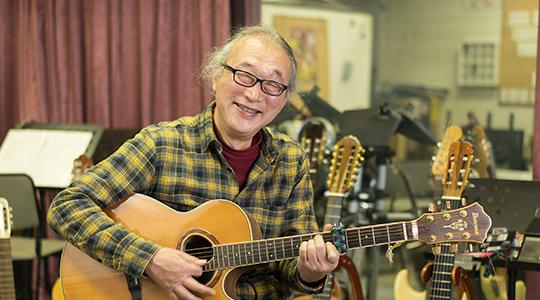 写真:平岡 宏(六弦 ヒロシ)